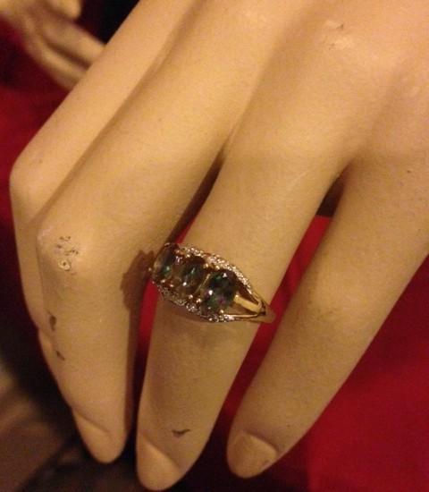 BWG gouden ring met mystic topaz