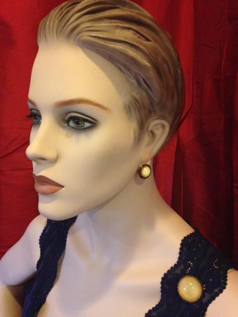 vintage set faux maansteen oorclips en broche jaren 1950