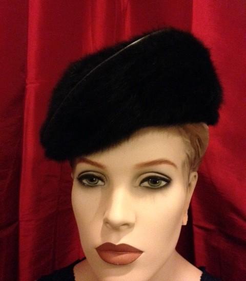 Angora wol baret zwart uit de jaren 1960