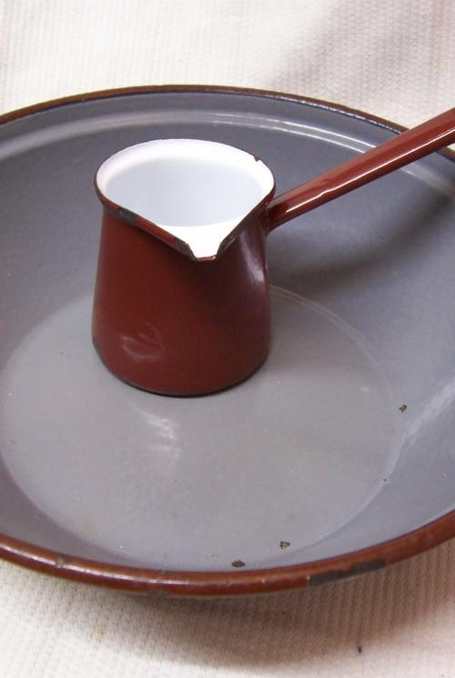 Brocante bruin melk steelkannetje of opschuimer