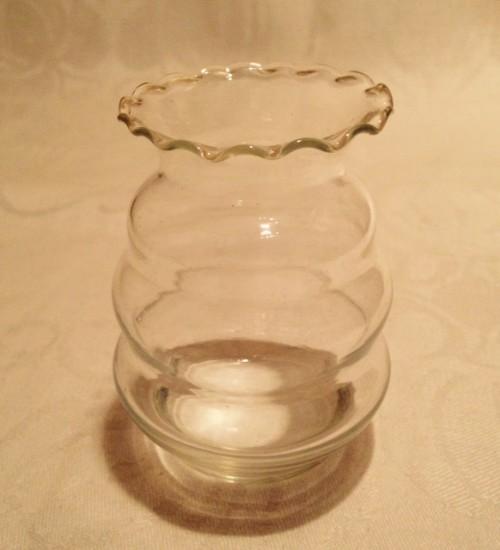 Mini ribbel violenvaasje van helder glas 7 cm. hoog