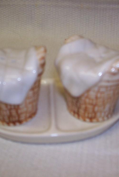 Goebel 3 delig peper en zout stel op tray