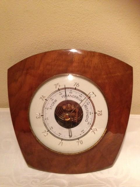 Retro barometer uit de jaren 1960