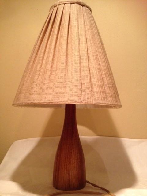 Teak retro tafel lamp uit de jaren 1950