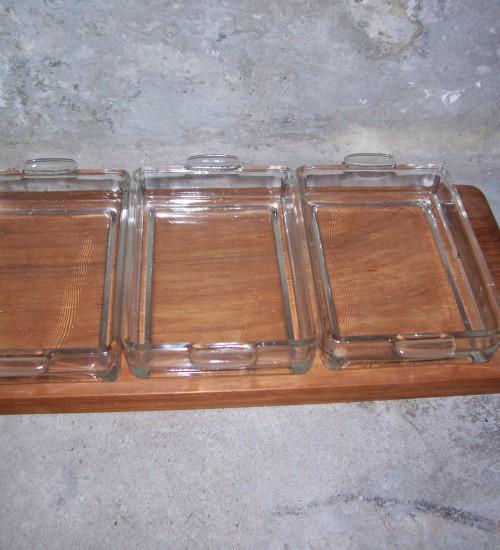 Teakhouten retro tray met 3 glazen bakjes uit de jaren 1960 Denemarken