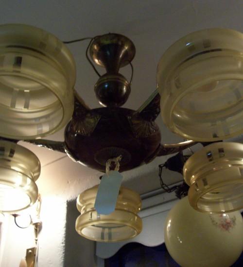 Art-deco hanglamp met glazen kappen
