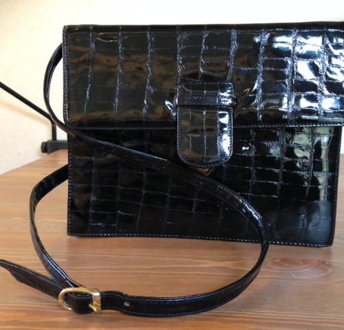 Flinke zwarte Mimo laklederen clutch en crossbody tas
