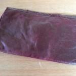 Donkerrode slangenlederen clutch of enveloptas