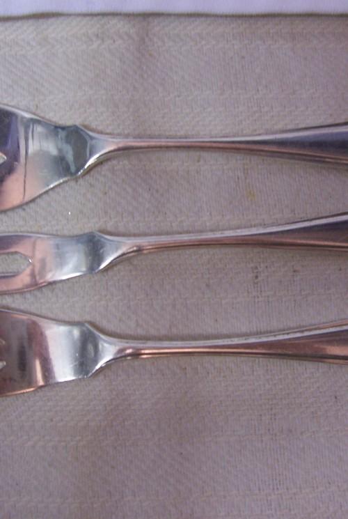 Zilveren puntfilet trio hors d'oevre vorkjes