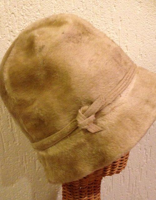 Schattig vintage wollen, vilten hoedje, origineel uit de jaren 1920-1930