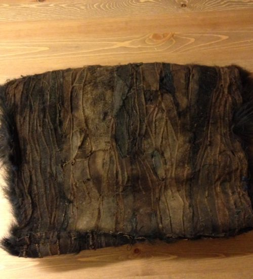 Grote zwarte bont mof uit de jaren 1920