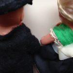 10 cm. klein antiek poppen echtpaartje van Schildpad