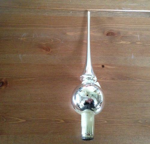 Oude klassieke, gladde piek van geblazen glas in zilver met 1 bal 2e helft 1900