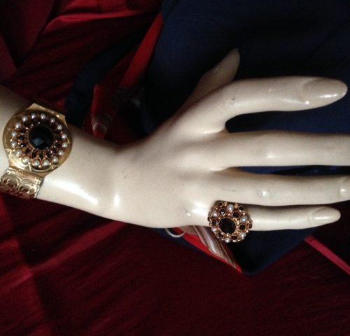 Rosegouden ring met granaat en parels