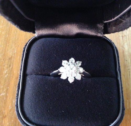 Beeldschone platina en briljant bloem ring van Tiffany & Co