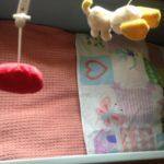 Handgebreid oud roze ledikant deken van Scheepjes Catona 50 katoen