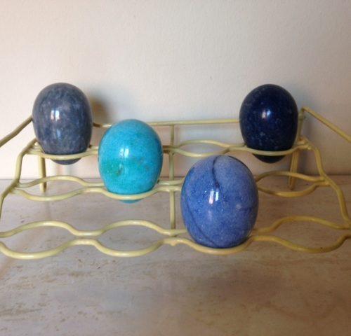 4 mooie eieren van verschillende soorten blauwe kwarts