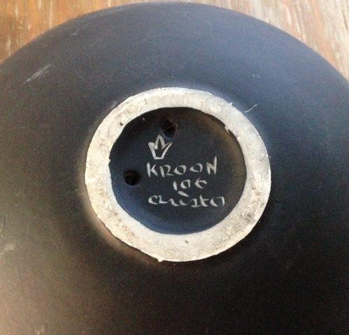 Van l'ancora of de Kroon een wandbord met veulen uit de retro periode