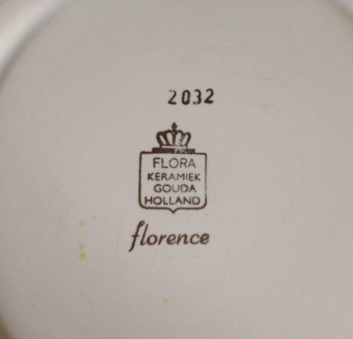 Flora Gouda barok gebaksstel Florence 2032 in ecru met gouden decoratie