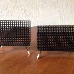 Servet houder uit de sixty's van geperforeerd zwart metaal Pilastro