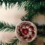 Antieke deukbal of kerst reflexbal van dun glas uit begin 1900