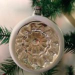 Oude antieke zilveren  Kerst deuk of reflexbal uit het midden van de vorige eeuw