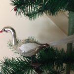 Kerst zwaan op 1 poot van dun geblazen glas