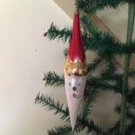 Oud giga groot kerstman hoofd als een pegel jaren 1950