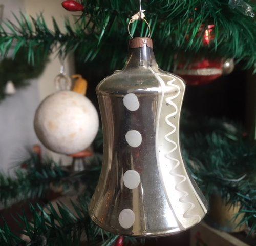 Antieke grote kerstklok met klepel van dun glas in zilver eerste kwart 1900