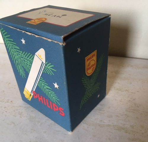 18 Philips kaarslampjes in het originele doosje