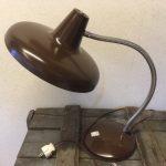 Hala bureau of tafellamp in bruin uit de jaren 1970