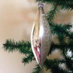 Oude antieke zilveren pegel of druppel van dun geblazen glas jaren 1950