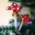 Grote oude plastic paddenstoelen op klem 1950-1960