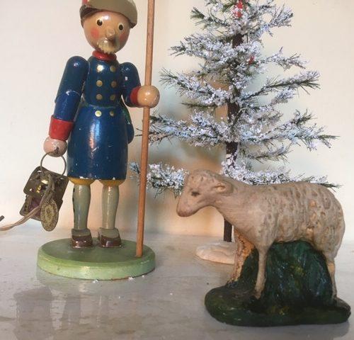 Antiek kerst schaap van papier mache/composiet 1e kwart vorige eeuw