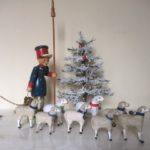 4 lieve oude antieke Kerst schaapjes van masse/composiet