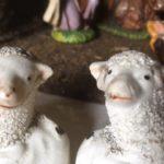 Koppel antieke porseleinen schapen beeldjes van rond 1900