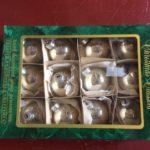 Doos van 12 zilveren kerstballen van dun geblazen glas 3e kwart 1900