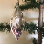Oude antieke kerstbal pegel of druppel van dun geblazen glas in zilver 1e kwart 1900