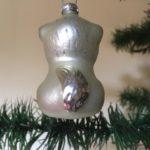 Oude antieke kerstbal een poes van dun geblazen glas in zilver 2e helft 1900