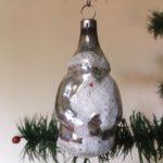 Antieke oude kerstman van dun geblazen glas in zilver jaren 1950-1960