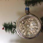 Oude antieke krater of reflex kerstbal van dun geblazen glas in zilver midden 1900