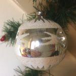 Antieke oude kerstbal van dun geblazen glas met 3 kraters in zilver 1e kwart 1900