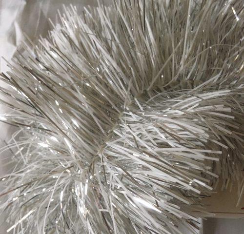Oude retro lametta garland of slinger in wit en zilver van Vendex midden 1900