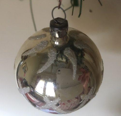 Antieke oude kerstbal met zon van dun geblazen glas in zilver 1e helft 1900