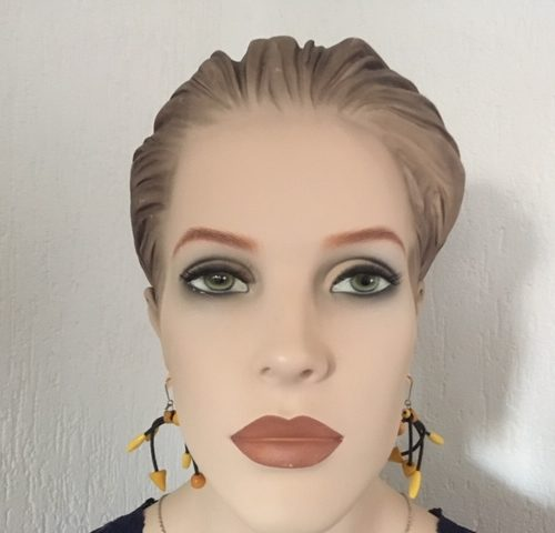 Elegante vintage oorhangers van rubber en hout jaren 1980