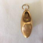 Grote 18 karaat gouden bedel een klomp