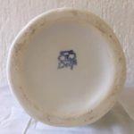 Vaas op voet Delfts Wit, van de Porceleijne Fles, gemerkt 1930-1970