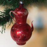 Antieke grote koffiepot van vliesdun geblazen glas in rood 1e kwart 1900