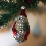 Oude antieke kerstman van dun geblazen glas met rode jas 3e kwart 1900