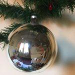 Oude antieke grote zilveren kerstbal van vliesdun geblazen glas 1e helft 1900